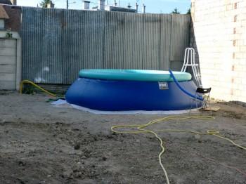 piscine ma ruine. Black Bedroom Furniture Sets. Home Design Ideas