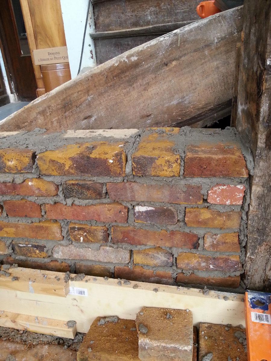 faire un mur en brique faire un mur de briques hll blogzine blog deco u lifestyle hello. Black Bedroom Furniture Sets. Home Design Ideas